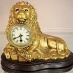 Cast Iron Blinky Eye Lion Novelty Clock